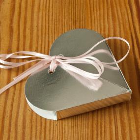 Silver Heart Favour Box